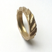 'Ripple' ring, 9ct gold
