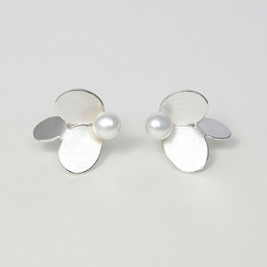 3 ovals earrings with pearls