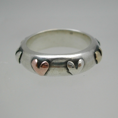 Ring with 3 colour hearts