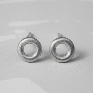 Arnot studs brushed silver