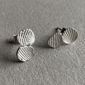 Imprint twin earrings