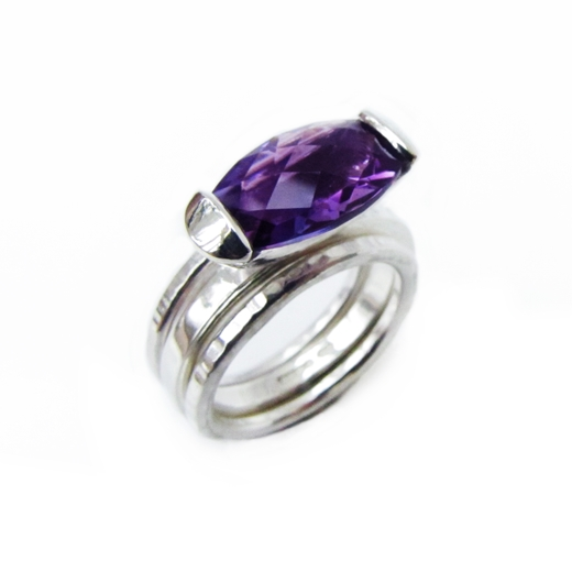Amethyst ring with 2 hammered guard bands