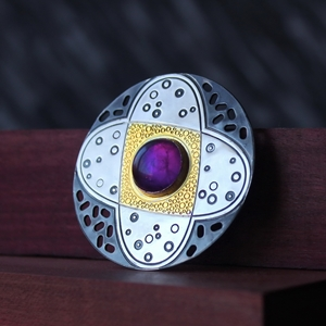 Brooch No.7, large amethyst stone, 1