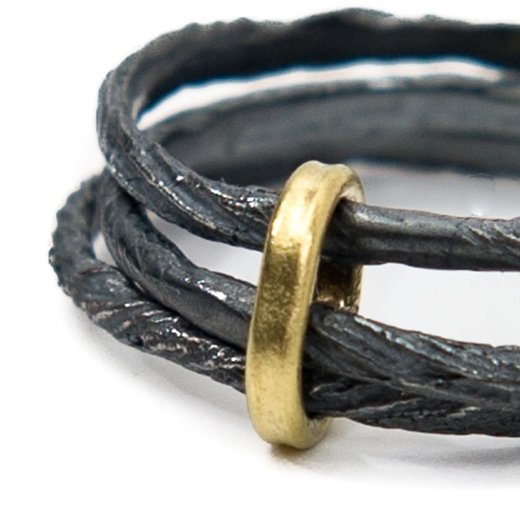 oxidised triple thread ring gold detail