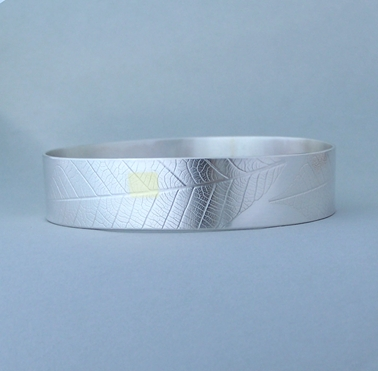 rubber leaf bangle
