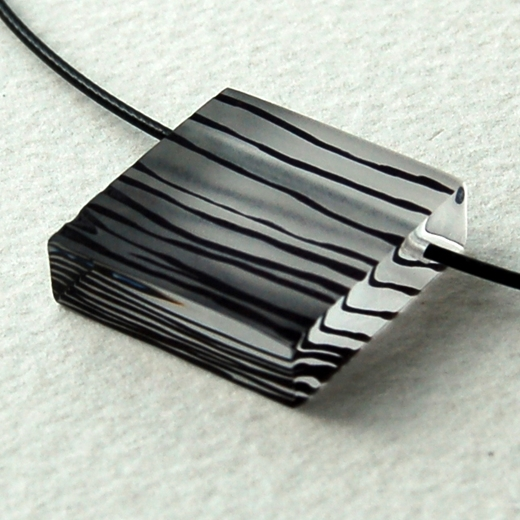 black gradient pendant detail