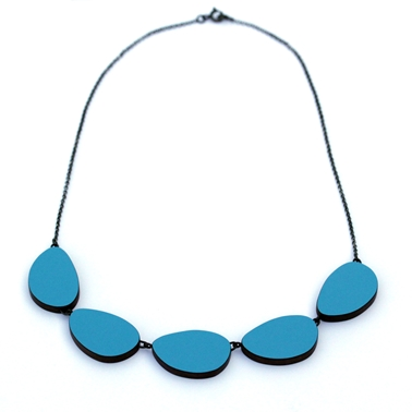 blue curve necklace