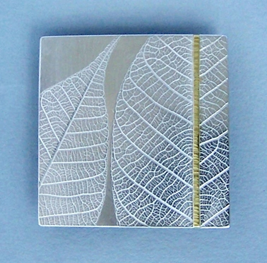 square rubber leaf brooch
