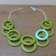 bubbles necklace - green