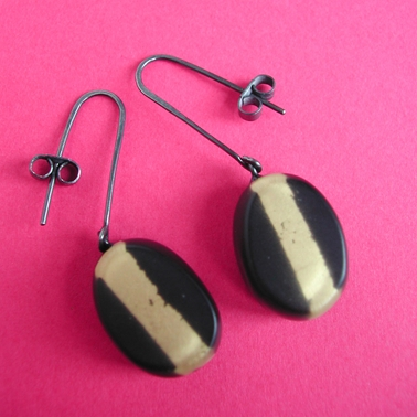 black and gold leaf oval drop earrings
