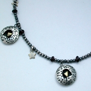 Dotty round necklet