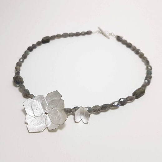 Double Hydrangea necklace 2