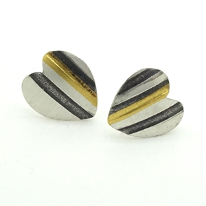 Threads Heart Studs