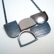Five shape on chain necklace