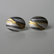 Threads Pebble studs