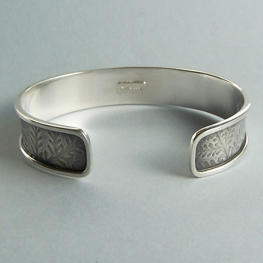 dusty miller bangle back