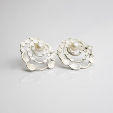 Floral Orbit Silver and pearls Earrings 1