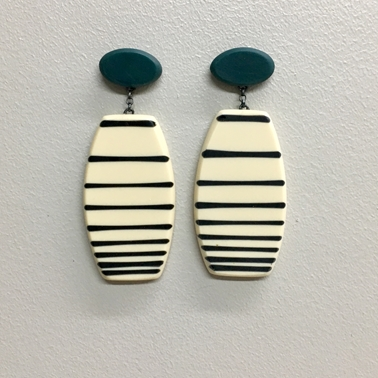 Drop lined earrings