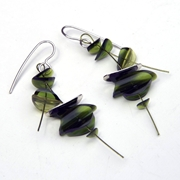 Green medium earrings