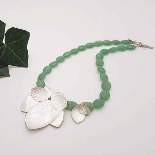 Spring green orchid neck 2