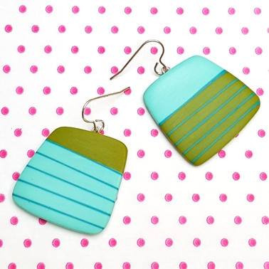 mismatch blue and green square resin drop earrings