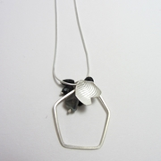 Honey petal & Loop pendant