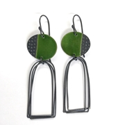 Islands earrings with arch loops