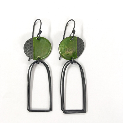 Islands earrings glossy green