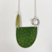 Tidal necklace in green