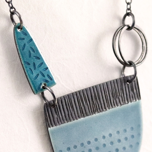 Detail of Tidal necklace blue-grey