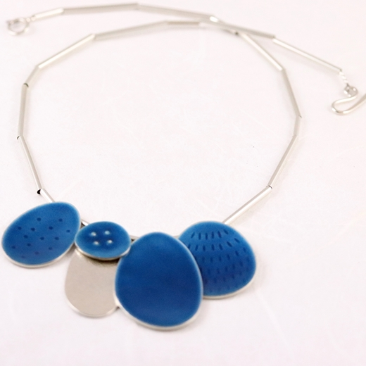 Cluster necklace blue