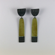 Long buoy earrings green