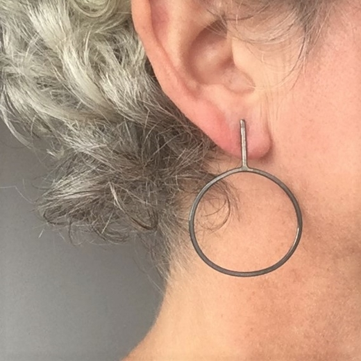 Irregular oval earrings in oxidised wire