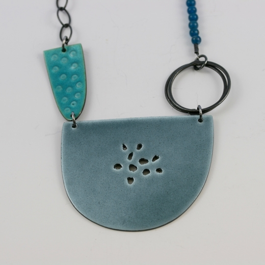 Large tidal necklace, grey