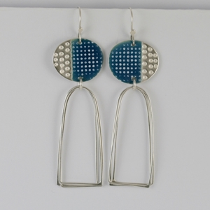 island earrings arch loops