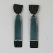 Buoy earrings long grey