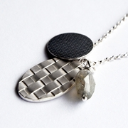 Interlaced Oval&Woven Imprinted Necklace