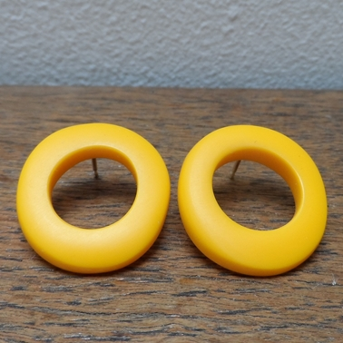 yellow wobble hoops