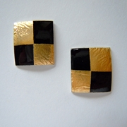 Small square earrings Black / Gold