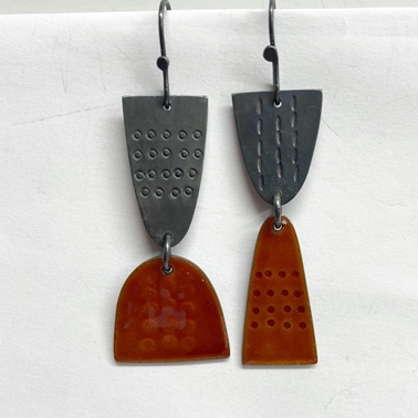 Leonora earrings burnt orange