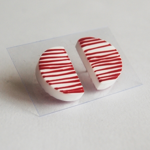 red line up earrings 1