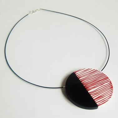 Red Line Up necklace