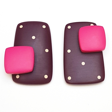 Double stud-maroon rectangle with spots