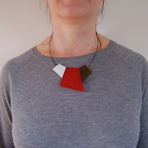 model fragments necklace orange
