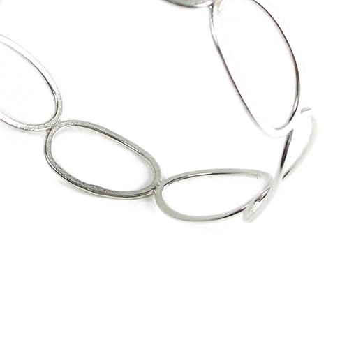 Wing ovals bangle close