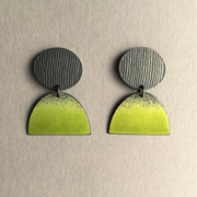 Oxidised oval stud with Yellow green large half oval