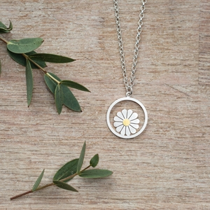 Large daisy and circle pendant 2