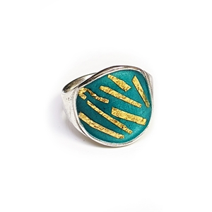 Petri ring blue green