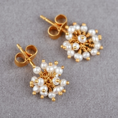 Pompom Stud Earrings Main