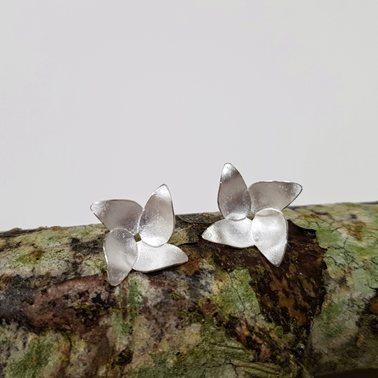 Pyrus flower earrings